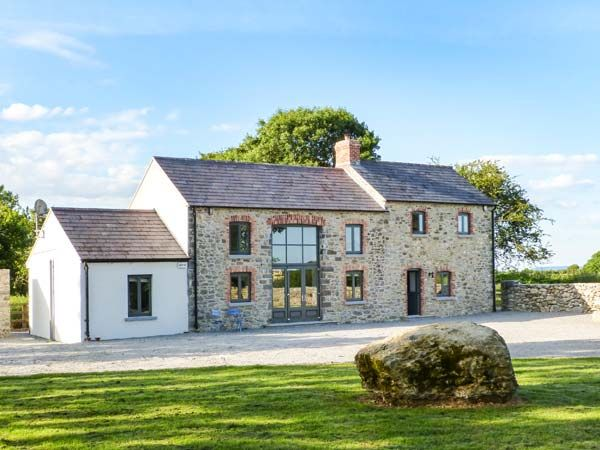 Lismakeera lodge adare county limerick askeaton for Modern house holiday lets
